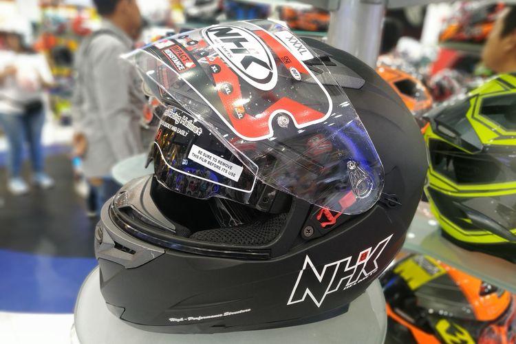 Masih ada helm full face yang memiliki harga terjangkau di bawah Rp 500 ribu.