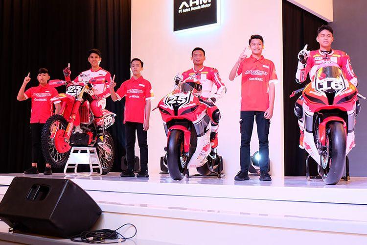 Pebalap AHRT saat Launching AHRT Skuat 2020, pada Selasa (04/02/2020), di Hotel Shangri-La, Jakarta.