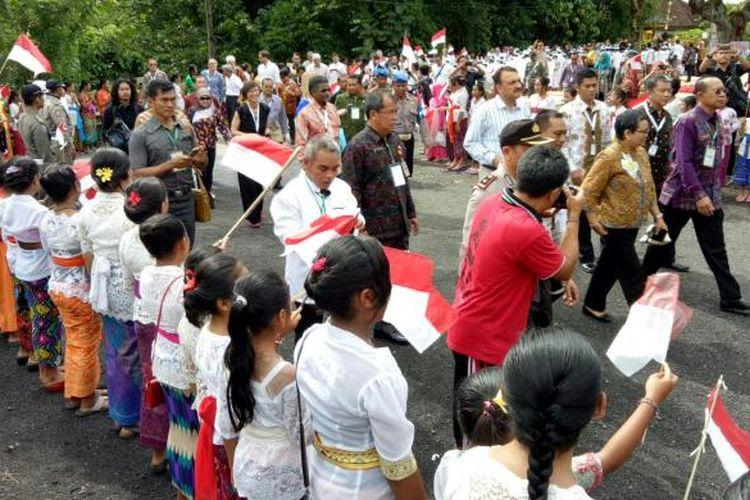Delegasi BDF IX berkunjung ke Pondok Pesantren Bali Bina Insani, Tabanan, Kamis(9/12/2016)