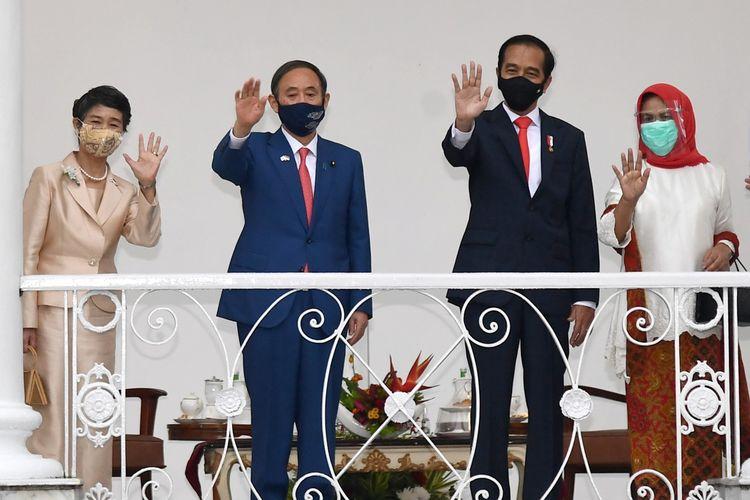 Perdana Menteri Jepang Yoshihide Suga (kedua dari kiri) saat mengadakan pertemuan dengan Presiden Joko Widodo di Istana Kepresidenan, Bogor, Selasa (20/10/2020).
