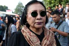 Ratna Sarumpaet dan Anggota DPRD Berhadapan dengan Satpol PP di Rawajati