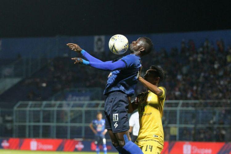 Pertandingan pekan ke-15 Liga 1 2019 antara Arema FC vs Barito yang berlangsung di Stadion Kanjuruhan, Kabupaten Malang, Senin, 19 Agustus 2019.