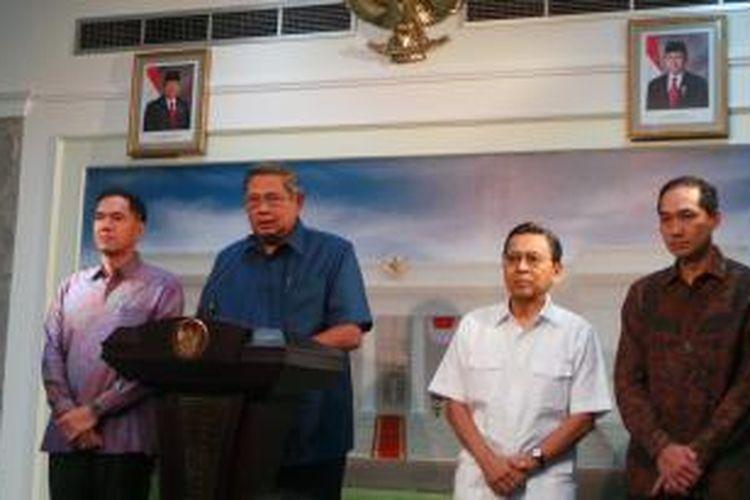 Presiden Susilo Bambang Yudhoyono menunjuk M Lutfi sebagai Menteri Perdagangan yang baru. Lutfi menggantikan Gita Wirjawan yang mengundurkan diri sejak 31 Januari 2014.