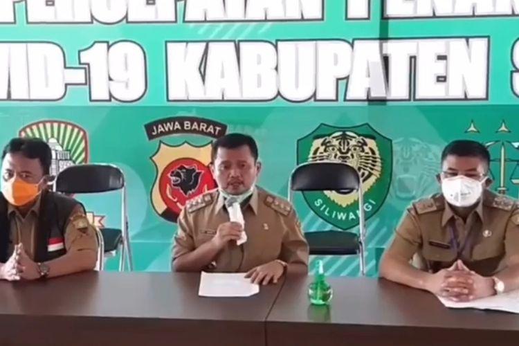 Bupati Sumedang H Dony Ahmad Munir umumkan perpanjangan PSBB, Senin (4/5/2020). DOK. Humas Sumedang/KOMPAS.com