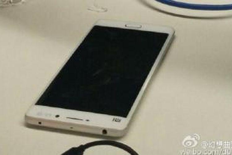 Beredar foto Xiaomi Mi 5 di Weibo