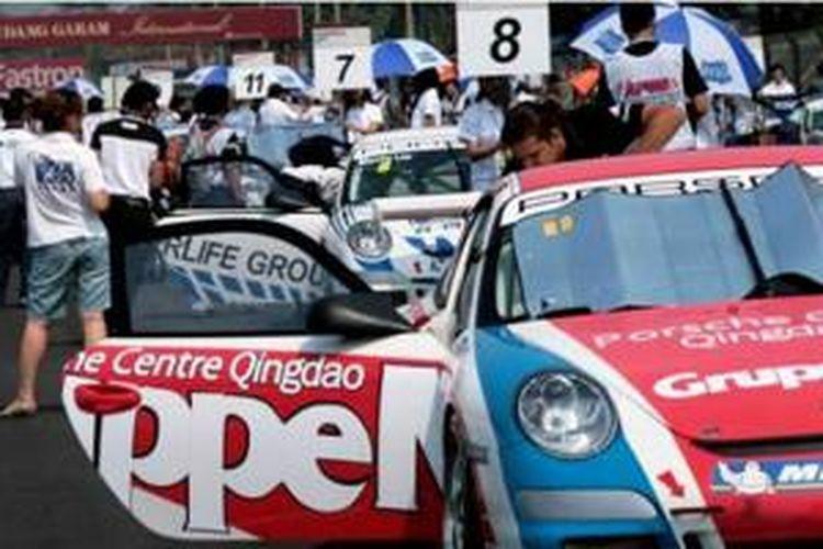 Porsche pernah balapan resmi di Sentul dalam ajang Asian Festival of Speed.