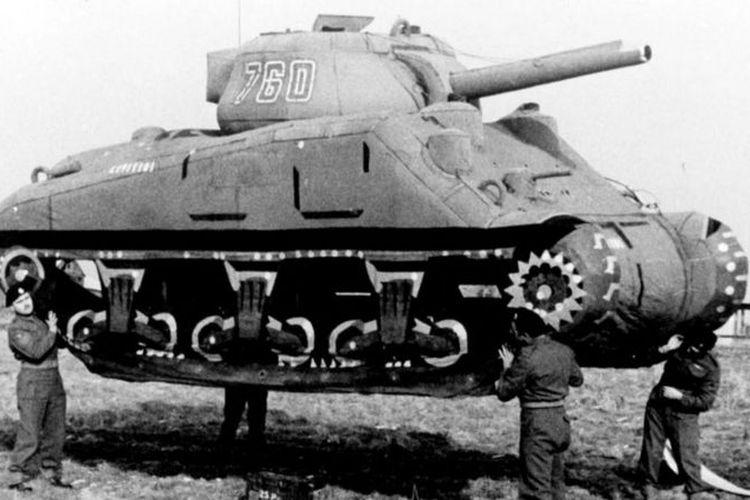 Tank palsu yang dibuat oleh Ghost Army di Perang Dunia II.