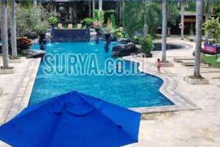 Kolam renang di Hotel Novotel, Surabaya, lokasi tewasnya dua bocah, Sabtu (9/4/2016).