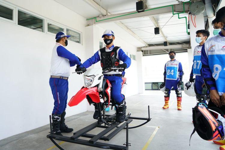 Pelatihan keselamatan berkendara di AHM Safety Riding Park