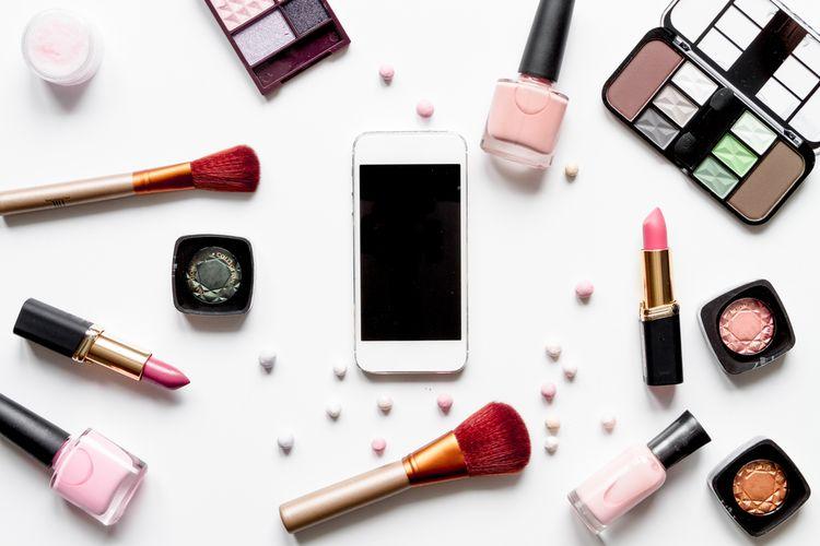 Ilustrasi belanja kosmetik online.