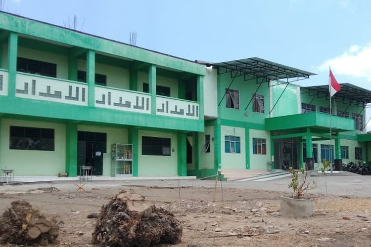 Bangunan komplek santri putera Pondok Pesantren Al-Imdad Bantul, Yogyakarta.