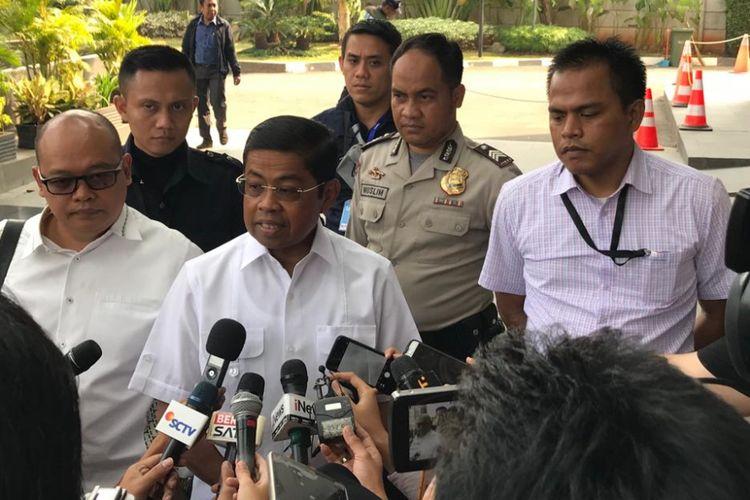 Menteri Sosial RI Idrus Marham saat memenuhi panggilan KPK sebagai saksi terkait kasus kontrak kerja sama pembangunan PLTU Riau-1 di Provinsi Riau, Kamis (19/7/2018).