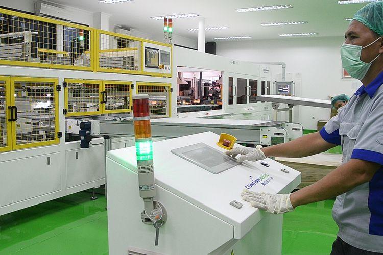 Suasana pengerjaan proyek yang ditangani Len Industri.