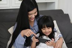 Perkembangan Teknologi Bantu Orangtua dalam Mendidik Anak