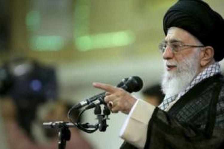 Ayatollah Khamenei adalah penentu dalam semua perjanjian penting bagi Iran.