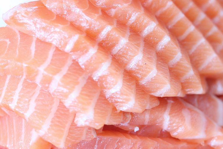 Ikan tuna tinggi akan vitamin A dan bisa membantu kita menjaga daya tahan tubuh.