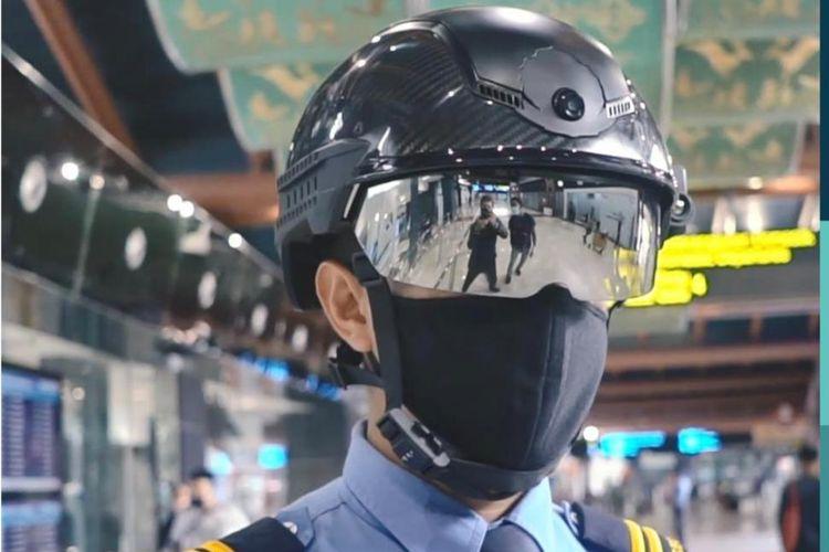 Smart helmet petugas keamanan Bandara Soekarno-Hatta