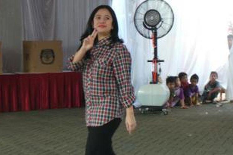 Ketua DPP PDI Perjuangan Puan Maharani usai mencoblos