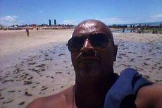 Jalan-jalan ke Pantai untuk Kencing, Pria Mabuk Ini Tewas Dimakan Hiu