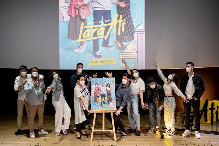 Konferensi pers acara peluncuran film terbaru BASE Entertainment yang berjudul Lara Ati. Film ini disutradarai oleh Bayu Skak dan dibintangi oleh Tatjana Saphira.