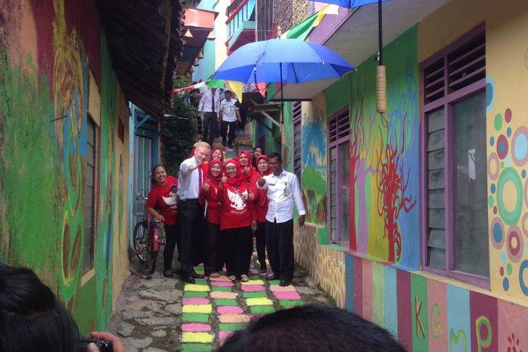 Duta Besar Negara-Negara Eropa mengunjungi Kampung Pelangi Semarang, Rabu (24/1/2018)