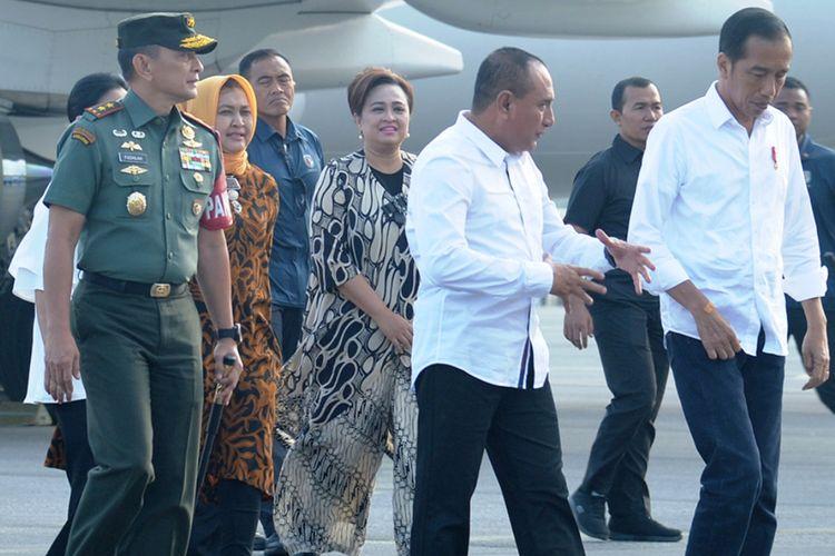 Gubernur Sumut Edy Rahmayadi menyambut Presiden Jokowi di Bandara Silangit, Kamis (14/3/2019)