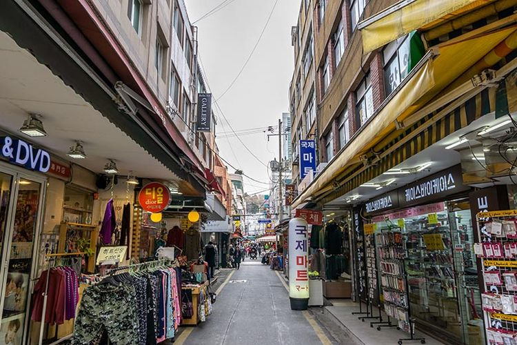 Salah satu sudut di Gukje Market, Busan.