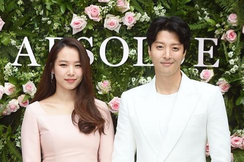 Perjalanan Cinta Lee Dong Gun, dari Jiyeon T-Ara ke Jo Yoon Hee