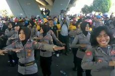 Buruh Berjoget Bersama Polwan hingga Diundang Makan di Rumah Wali Kota