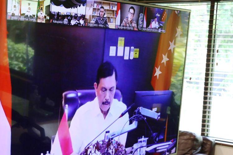 Menko Marves Luhut Binsar Pandjaitan meresmikan pembangunan SMK Negeri 3 Balige di Desa Lumbanpea secara virtual, disaksikan sejumlah menteri terikait dan Wakil Gubernur Sumut Musa Rajekshah dari Medan, Jumat (28/8/2020)