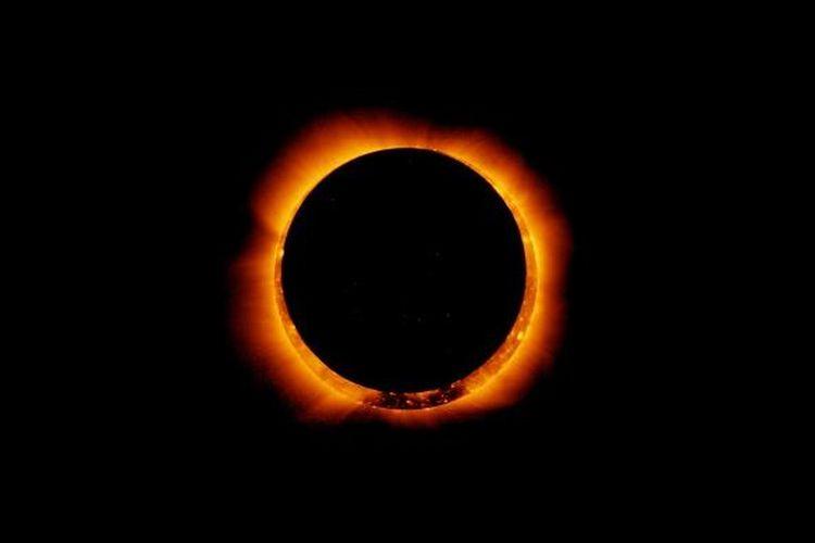 Gerhana Matahari cincin.