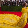 Rihanna Merasa Seperti Badut di Acara Met Gala 2015