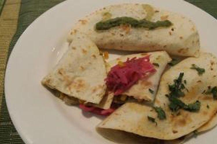 Aneka jenis taco dengan beragam isian, seperti jagung, jamur, ikan, dan juga daging dalam Mexican Food Fiesta di Hotel Gran Melia Jakarta, Senin (25/5/2015). Mexican Food Fiesta berlangsung hingga 2 Juni 2015.
