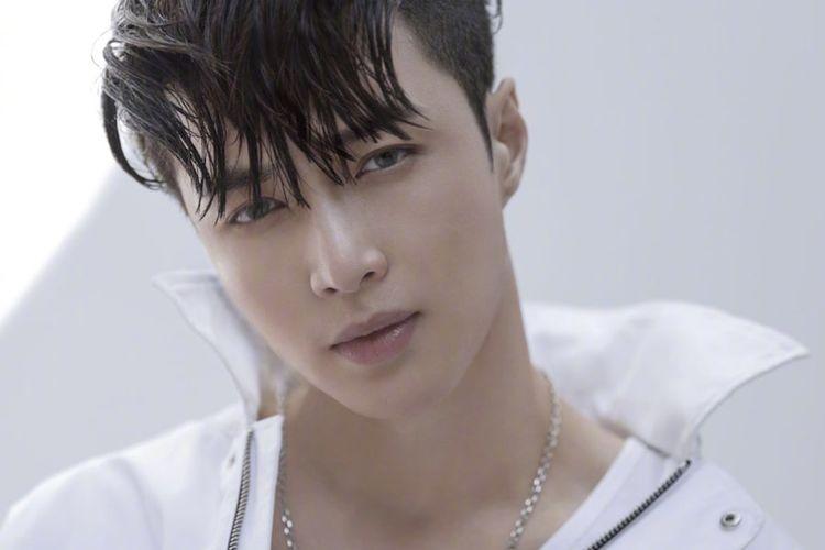Member boyband EXO, Lay.