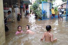 Separuh Wilayah Kecamatan Mampang Prapatan Dilanda Banjir