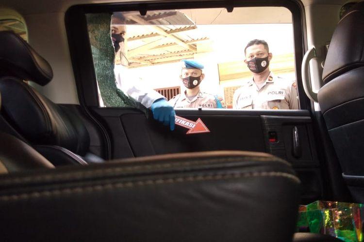 Perampok beraksi siang bolong di depan kafe cepat saji, Kota Lhokseumawe, Senin (20/7/2020) dengan membobol sebuah mobil Honda Odyseey BK 1415 AB milik Zahra warga Blang Pulo, Kota Lhokseumawe