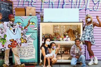 Kulkas Tak Bertuan Tersebar di New York, Isinya Makanan Donasi