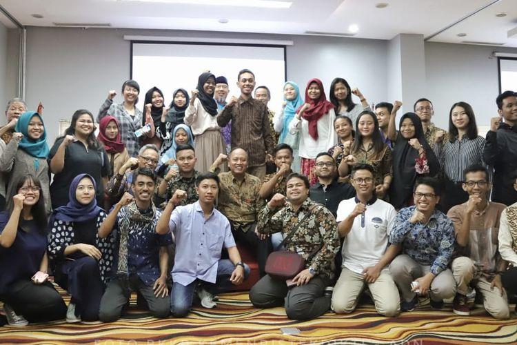 Menristekdikti dalam Pelepasan Delegasi 45 Mahasiswa Indonesia Kunjungan ke Tiongkok di Cengkareng, Tangerang pada Jumat (14/6/2019)