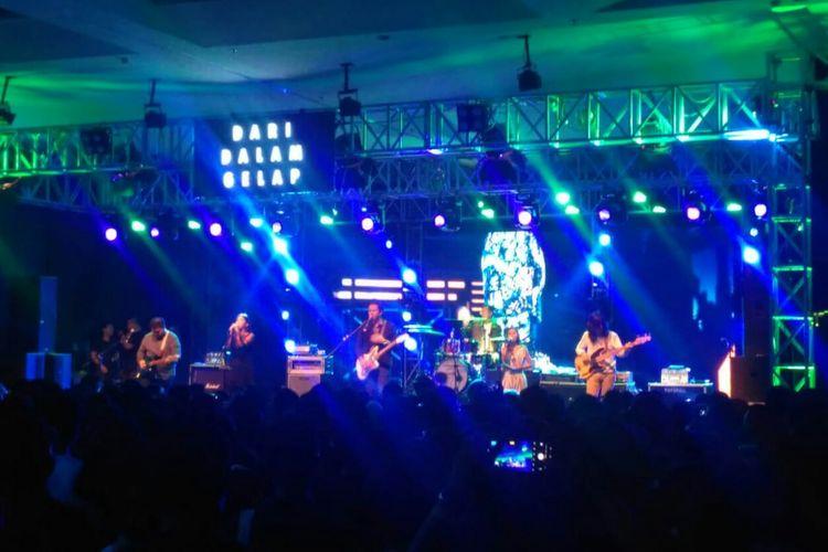 Barasuara tampil dalam pergelaran musik The Sounds Projects Vol.4 di Ballroom Kuningan City, Jakarta Selatan, Sabtu (23/3/2019).