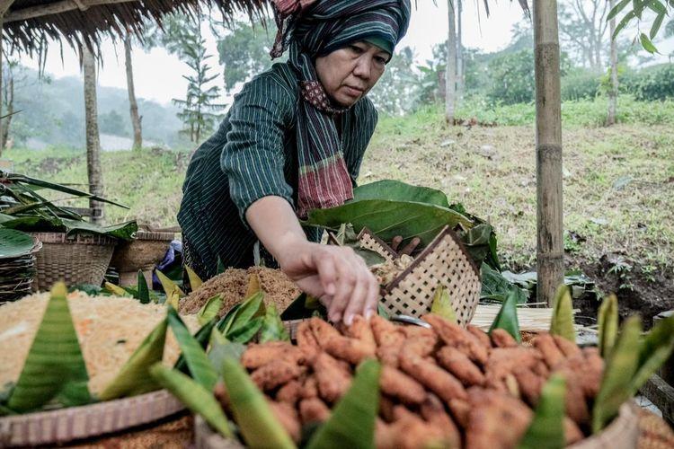 Sajian kuliner tradisional di Desa Wisata Lerep, Ungaran Barat, Kabupaten Semarang.