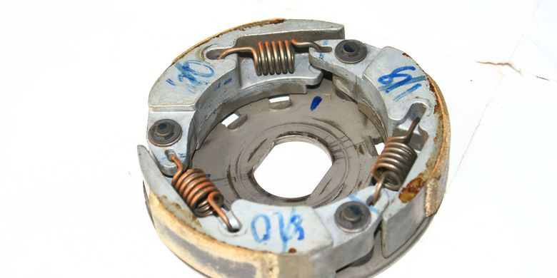 Ciri Kampas Kopling Motor Matik Mulai Menipis