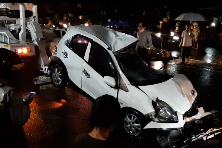 Kecelakaan beruntun terjadi di ruas Jalan Prof. Hamka tanjakan Silayur, Ngaliyan pada Kamis (25/2/2021).