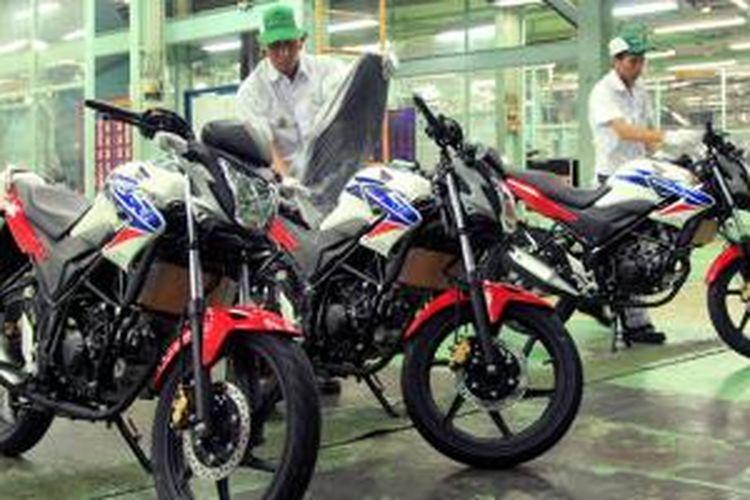 Honda CB150R Streetfire mantap sebagai tulang punggung sport Honda di Indonesia.