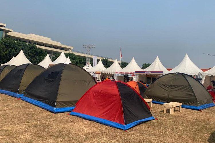 Tenda-tenda kemping pada pergelaran IIOutfest 2019 yang dimulai pada Kamis (1/8/2019) hingga Minggu (4/8/2019).
