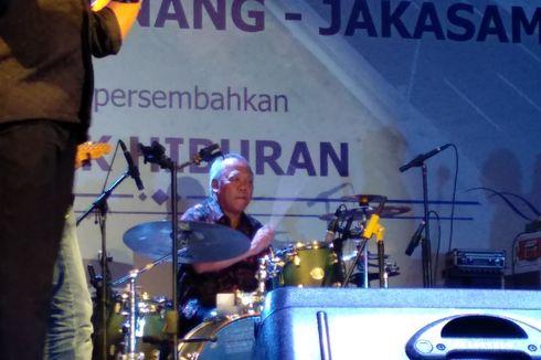 Wakili Jokowi Saat Syukuran Peresmian Tol Becakayu, Basuki Tabuh Drum