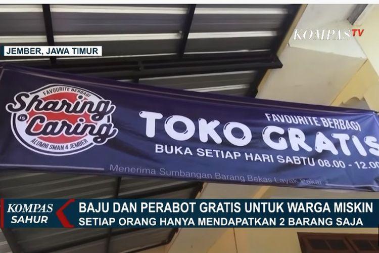 Sekelompok warga di Kelurahan Sempusari, Kecamatan Kaliwates, Jember, membuka toko pakaian dan perabot yang digratiskan untuk warga miskin.(Tangkapan layar KompasTV)