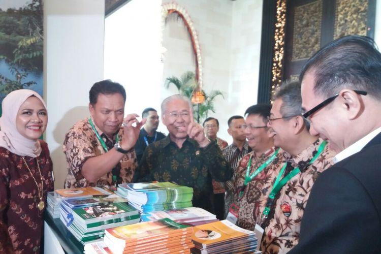 Menteri Perdagangan Enggartiasto Lukita dalam acara Indonesia Palm Oil Conference (IPOC) di Bali Nusa Dua Conference Center, Bali, Jumat (3/11/2017).