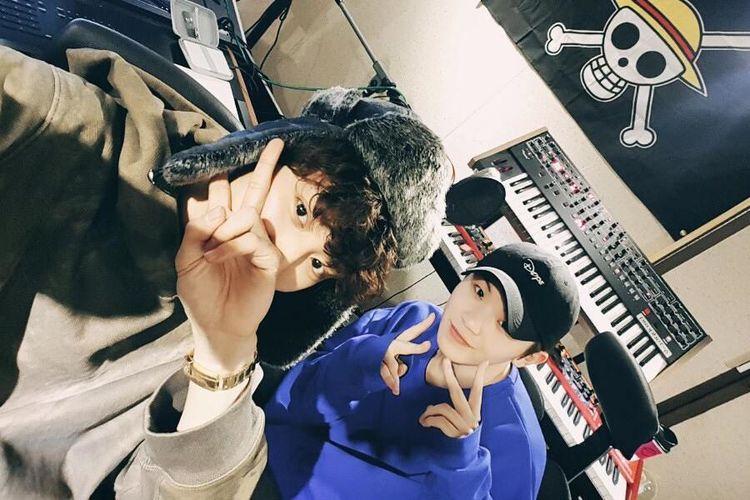 Chanyeol EXO (kiri) dan Woozi SEVENTEEN