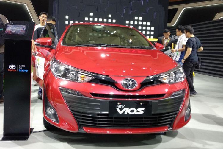 Sedan Toyota Vios jadi salah satu pilihan di IIMS 2018