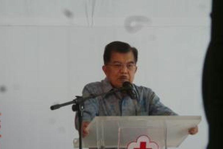 Wapres Jusuf Kalla saat menghadiri penutupan pameran dan peringatan 7 tahun Palang Merah Indonesia di Jakarta, Kamis (17/9/2015).